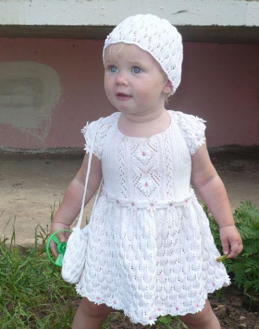 Детские вязаные спицами платья и сарафаны с описанием процесса Детские платья и сарафаны связанные спицами