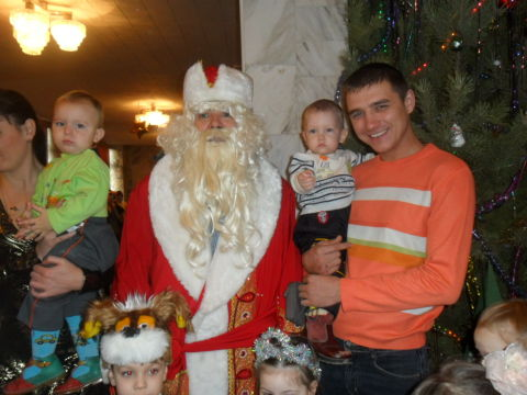 С Дедом Морозом и папой!!!
